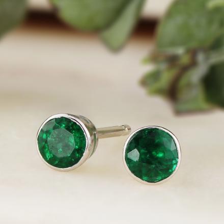 18k White Gold Bezel Round Green Emerald Gemstone Stud Earrings 1 00 Ct Tw Diamondstuds Com